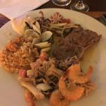 O takim jedzeniu Kubańczycy mogą tylko pomarzyć. Tylko dla turystów jest to codzienność.
