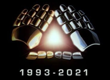 Hands making a triangle with the years 1993-2021