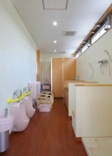 10 乳児トイレ・沐浴