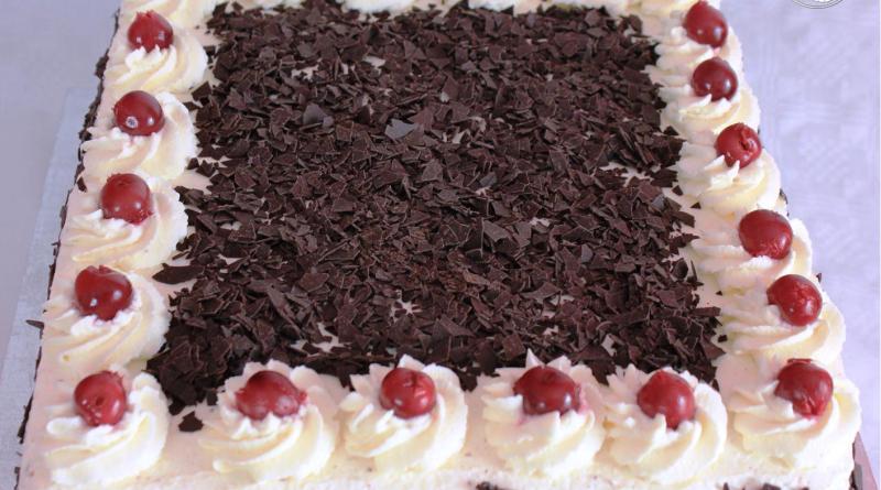 Schwarzwalder Kirschtorte Klassisch Lecker Einfach Kuchen