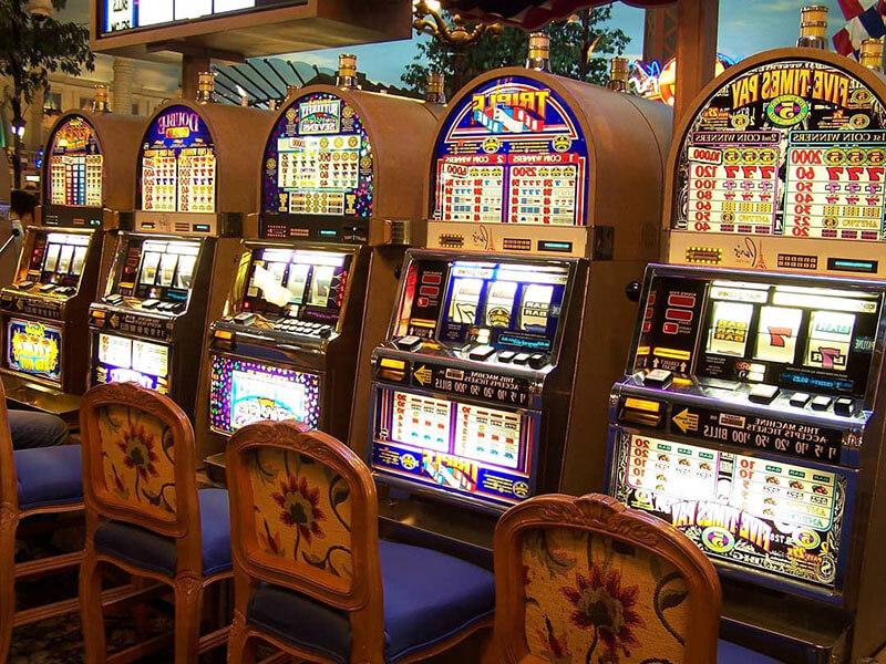 Персонал развлекательных центров клубов казино играть в косынку 3 карты