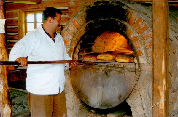 Wypiek Chleba na Szlaku Ginących Zawodów w Kudowie Zdroju