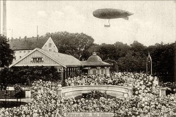 Sterowiec nad Placem Zdrojowym 1910 rok