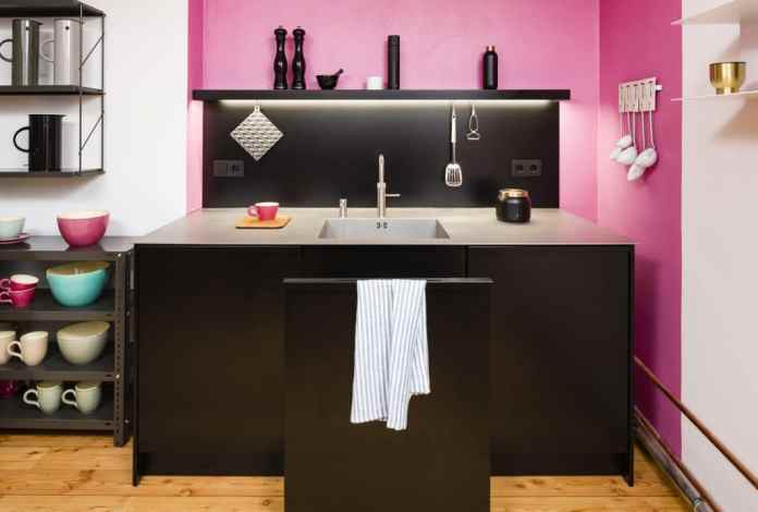 """Functionality is paramount in Popstahl kitchens - the architects have borrowed this from the principle of """"Kitchen for cooking"""" by Otl Aicher, just like bulthaup 30 years earlier.  (Photo: Popstahl)"""