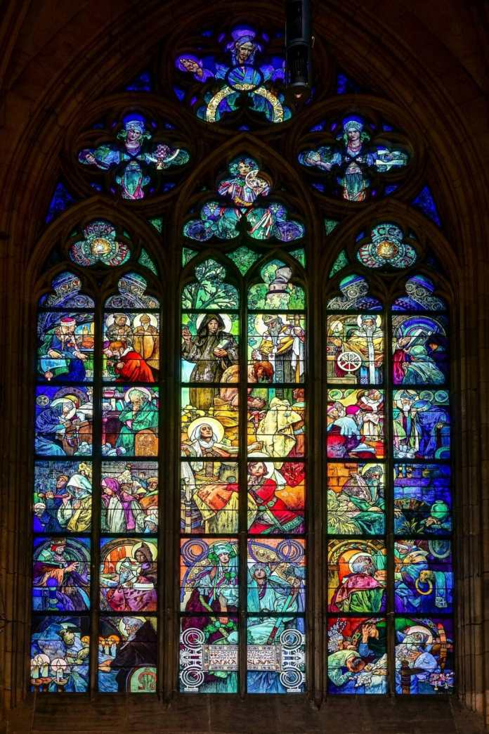 The impressive overall picture that Alphonse Mucha created in St. Vitus Cathedral in Prague.  Do you recognize the tiny section that the kitchen & design magazine Print claims from it?  (Photo: stock)