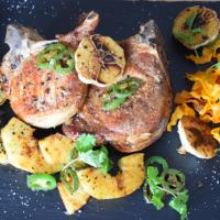 Schweinskotelett mit Süßkartoffel Frites