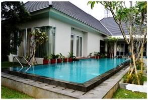 kolam renang ibu Gress Jagakarsa