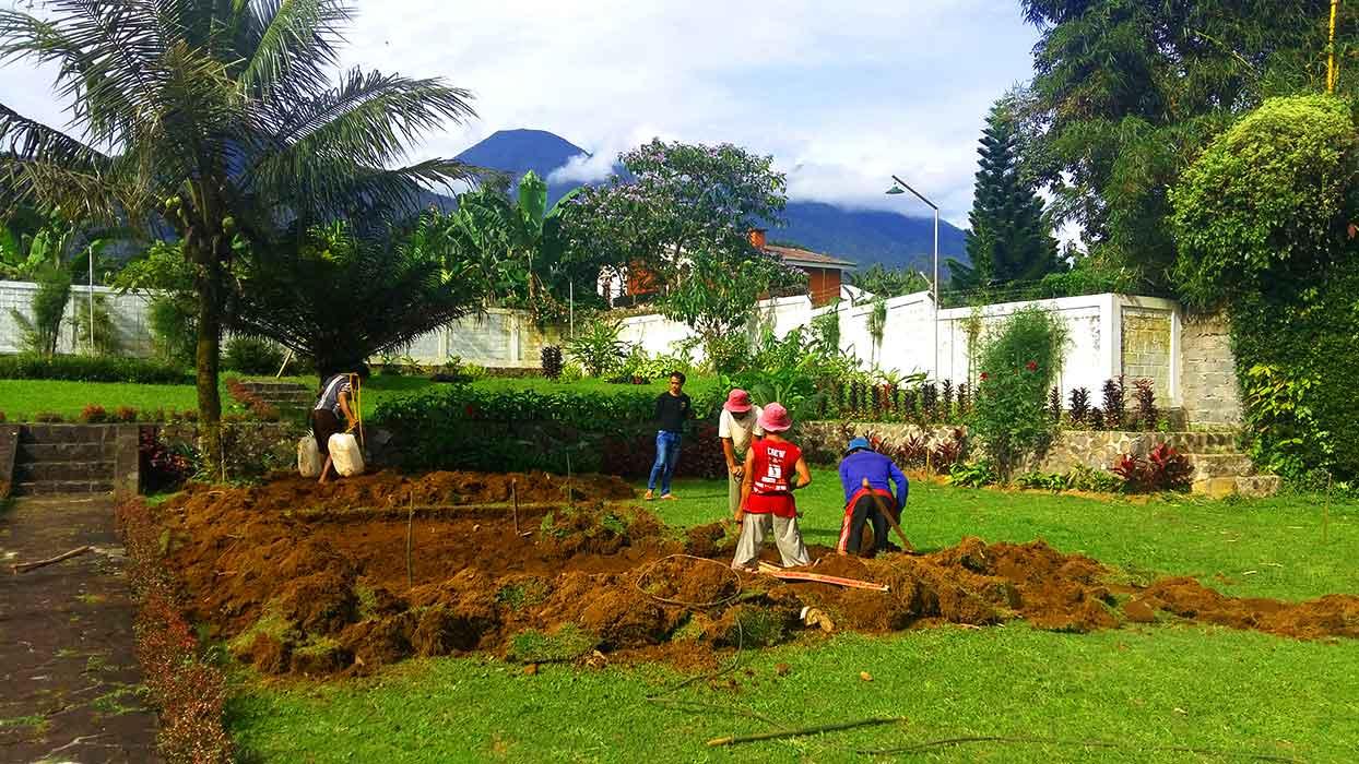 Pembuatan Kolam Renang Villa Bogor