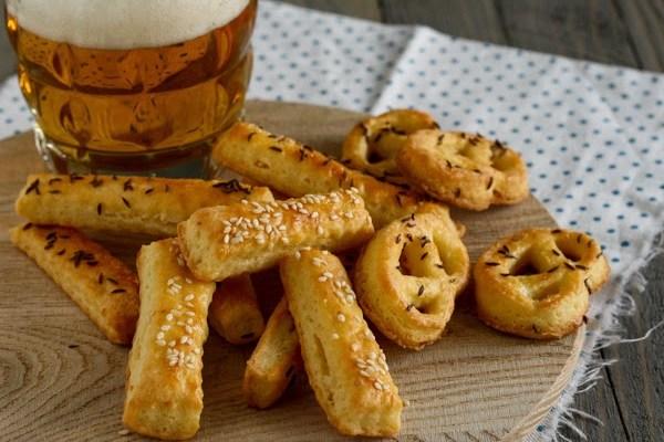Slane perece i štapići / Savory pretzels and sticks