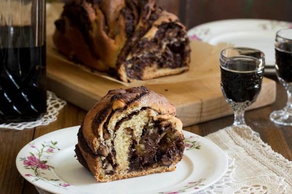 Štrudla sa čokoladom i lešnicima / Strudel with chocolate and hazelnuts