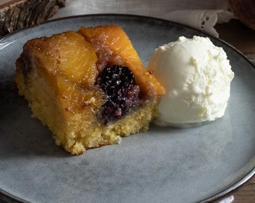 Naopaki voćni kolač / Upside-down fruit cake