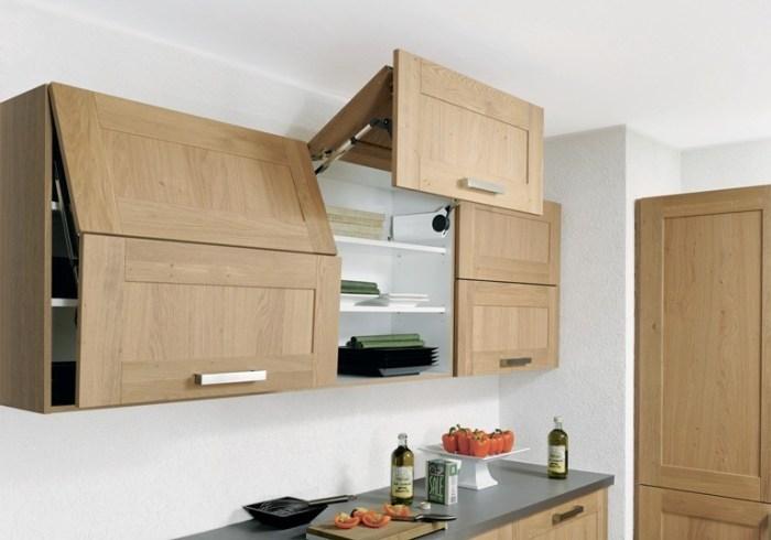 Кухонный шкаф с подъемным механизмом
