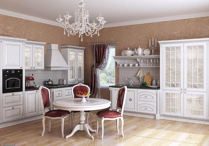 Белая классическая кухня со светло-коричневыми обоями