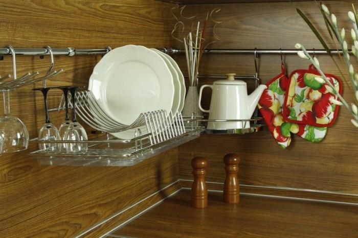 Сушилка для посуды на рейлинге