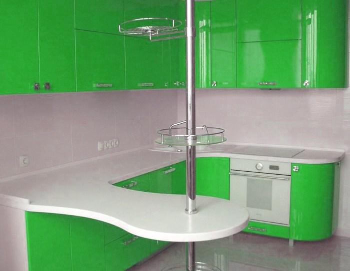 Барная стойка в кухне 9 кв. м.