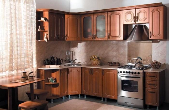Кухня 9 кв. м. в классическом стиле