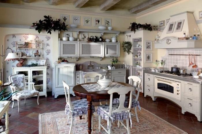Кресло на кухне в стиле прованс