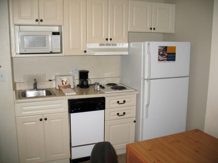 Мебель на малогабаритной кухне