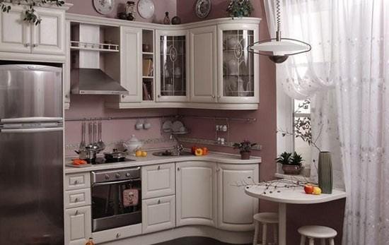 Плита и холодильник рядом