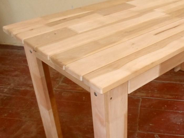 Большой самодельный обеденный стол