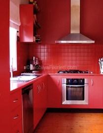 Галерея кухонь красного цвета, часть 3