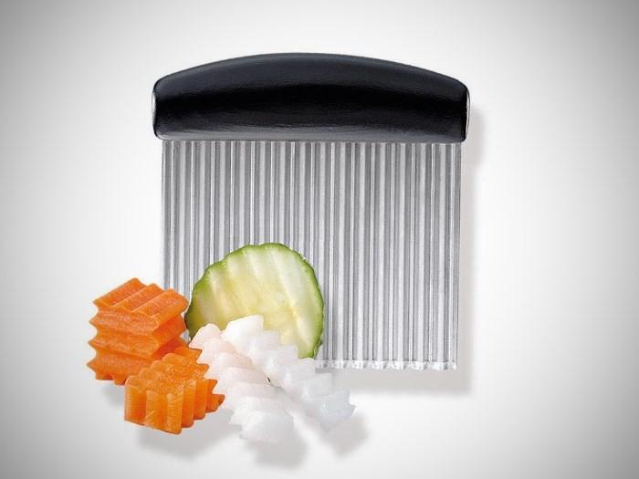 Фигурный кухонный нож для картофеля и других овощей