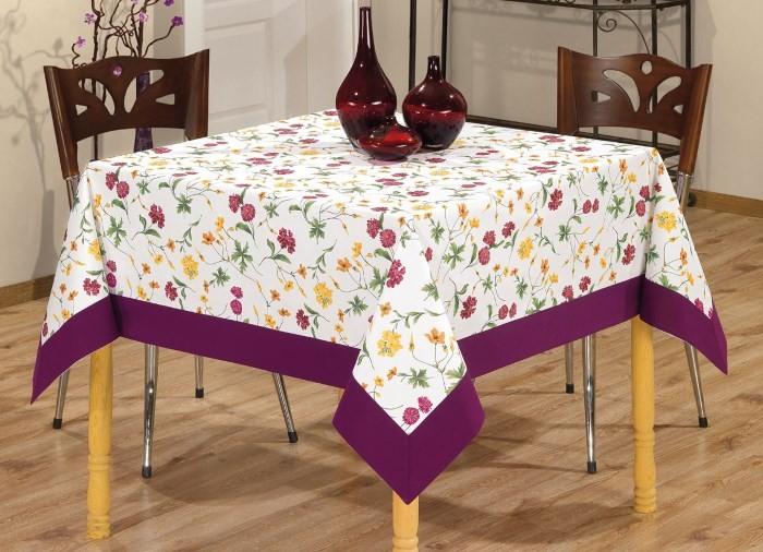 Скатерть на столе