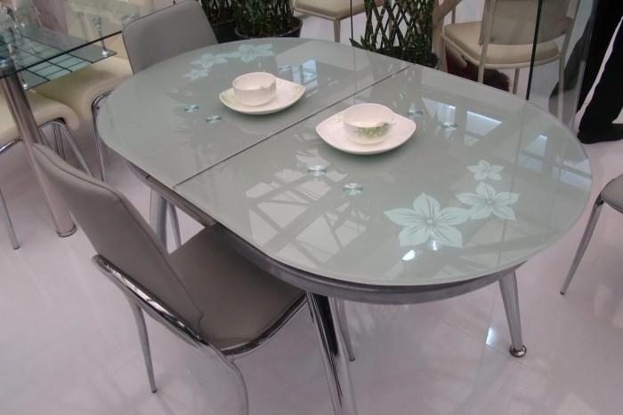 Стеклянный овальный стол