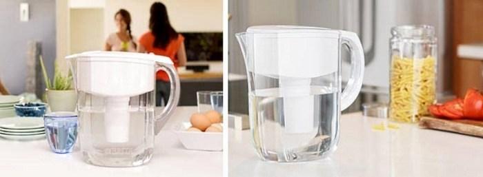 белый фильтр кувшин на кухне