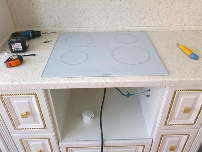 Установка индукционной плиты