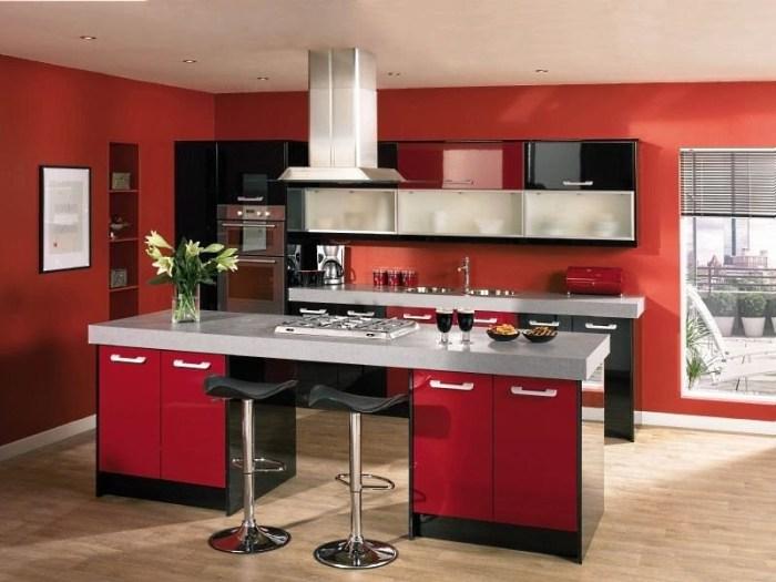 красные обои для кухни