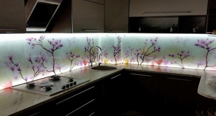 Каленое стекло с подсветкой