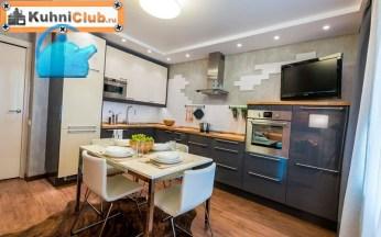 Расположение-телевизора-над-кухонной-мебелью