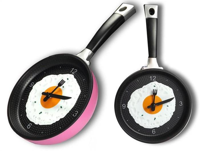 Часы-сковородка с яичницей на кухню