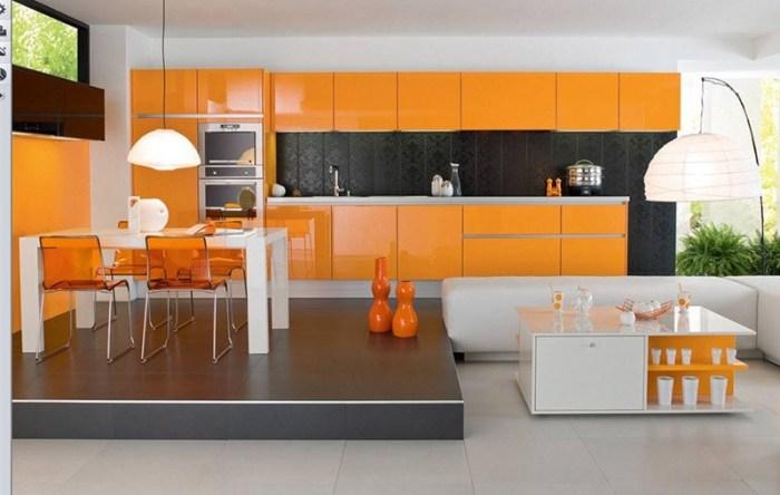 Дополнительные оранжевые детали на кухне того же цвета