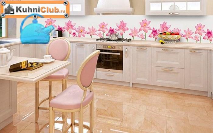 Светлые-тона-пола-розовой-кухни