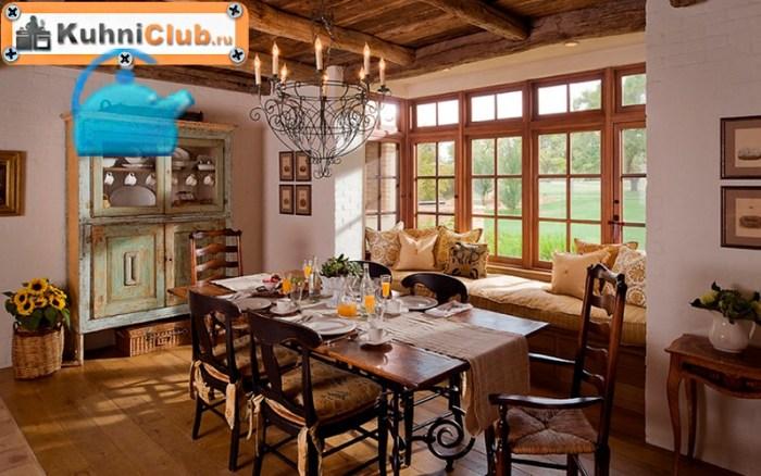 Скамья-в-кухне-деревенского-стиля