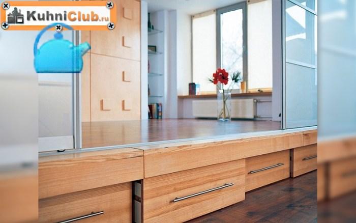 Подиум-для-кухни-с-ящиками-для-хранения