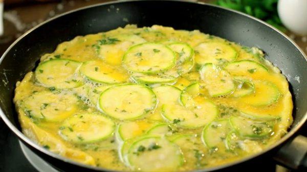 Омлет с кабачками, рецепты блюд - Кухня без мяса