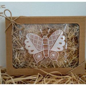 Motýľ v darčekovom balení