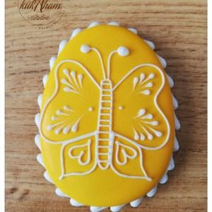 Medovníkové vajíčko s motýľom
