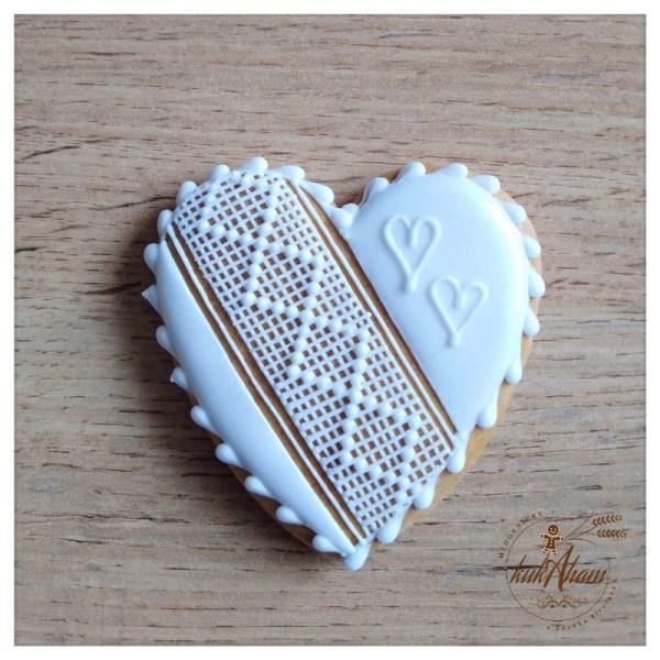 Medovníkové srdce s čipkou