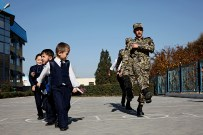 23-Pupils-practising-for-army-at-secondary2