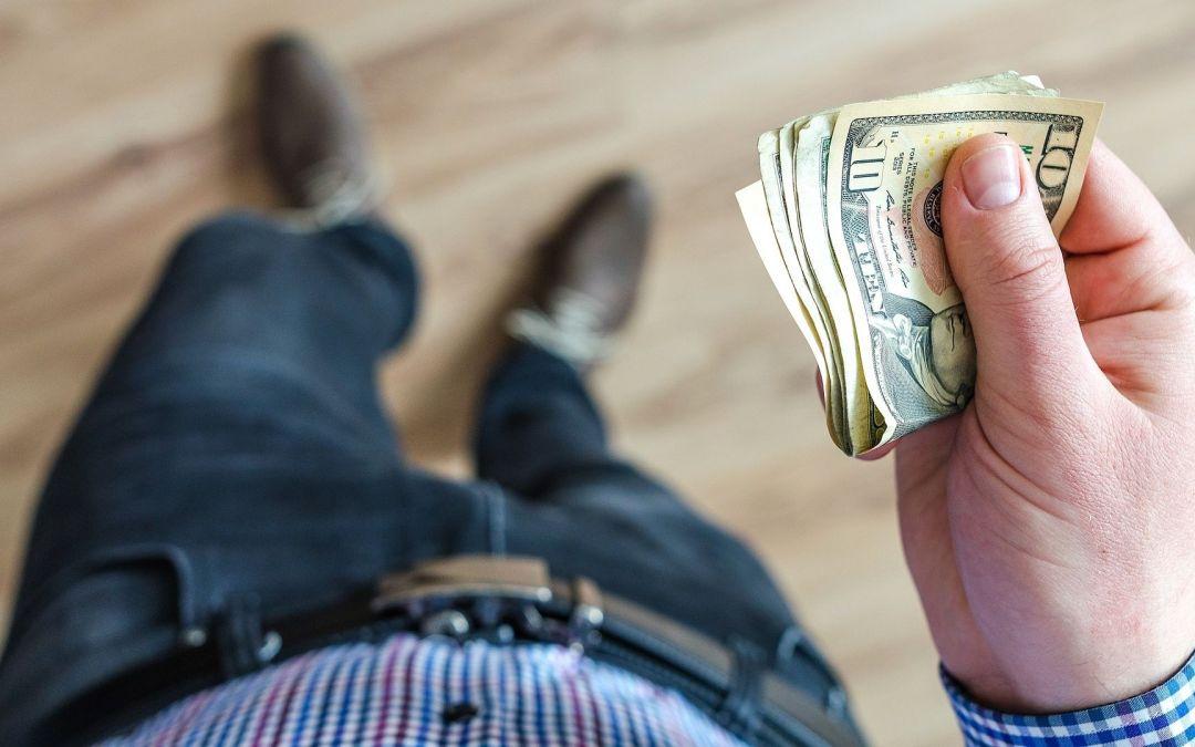 Elänkö mieheni rahoilla?