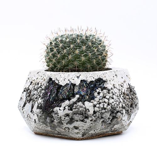 Planter Pot Amsterdam Goudsbloemgracht, grey color with mineral stones. Octogonal shape handmade in Berlin by Kula.