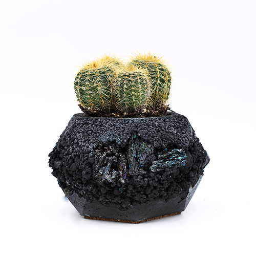 Planter Pot Lissabon Beco do Recolhimento, grey and black color with mineral stones. Hexagone shape handmade in Berlin by Kula.