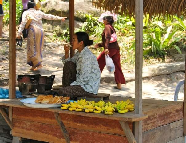 Seller - Phnom Kulen