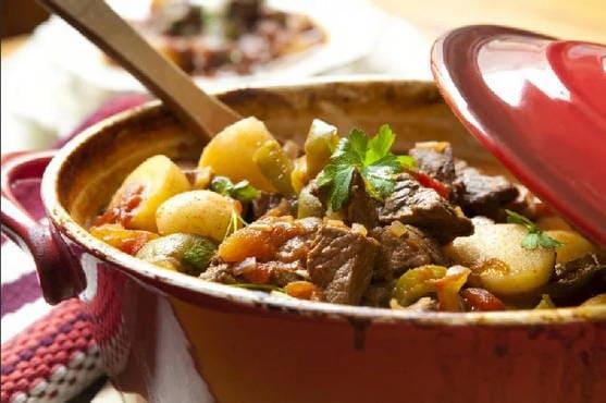 Жаркое из свинины с картошкой в мультиварке - 5 рецептов с ...