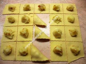 Домашние вареники с картошкой - рецепт с фото