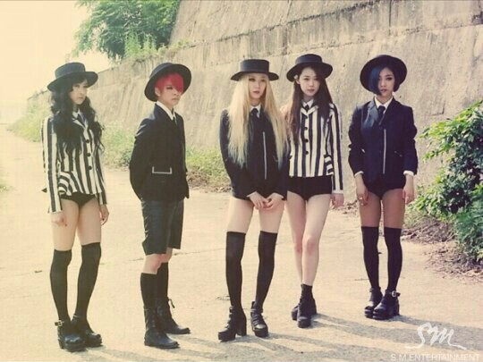 f(x) red light fashion